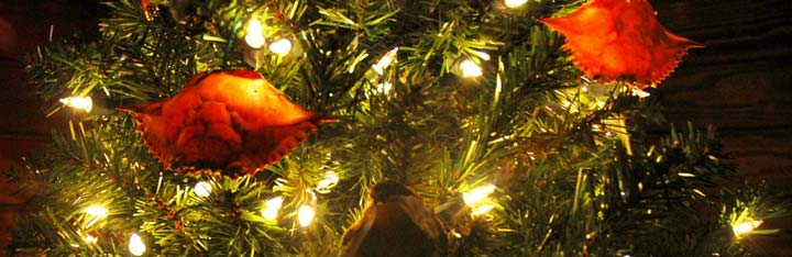 crab decorations on christmas tree